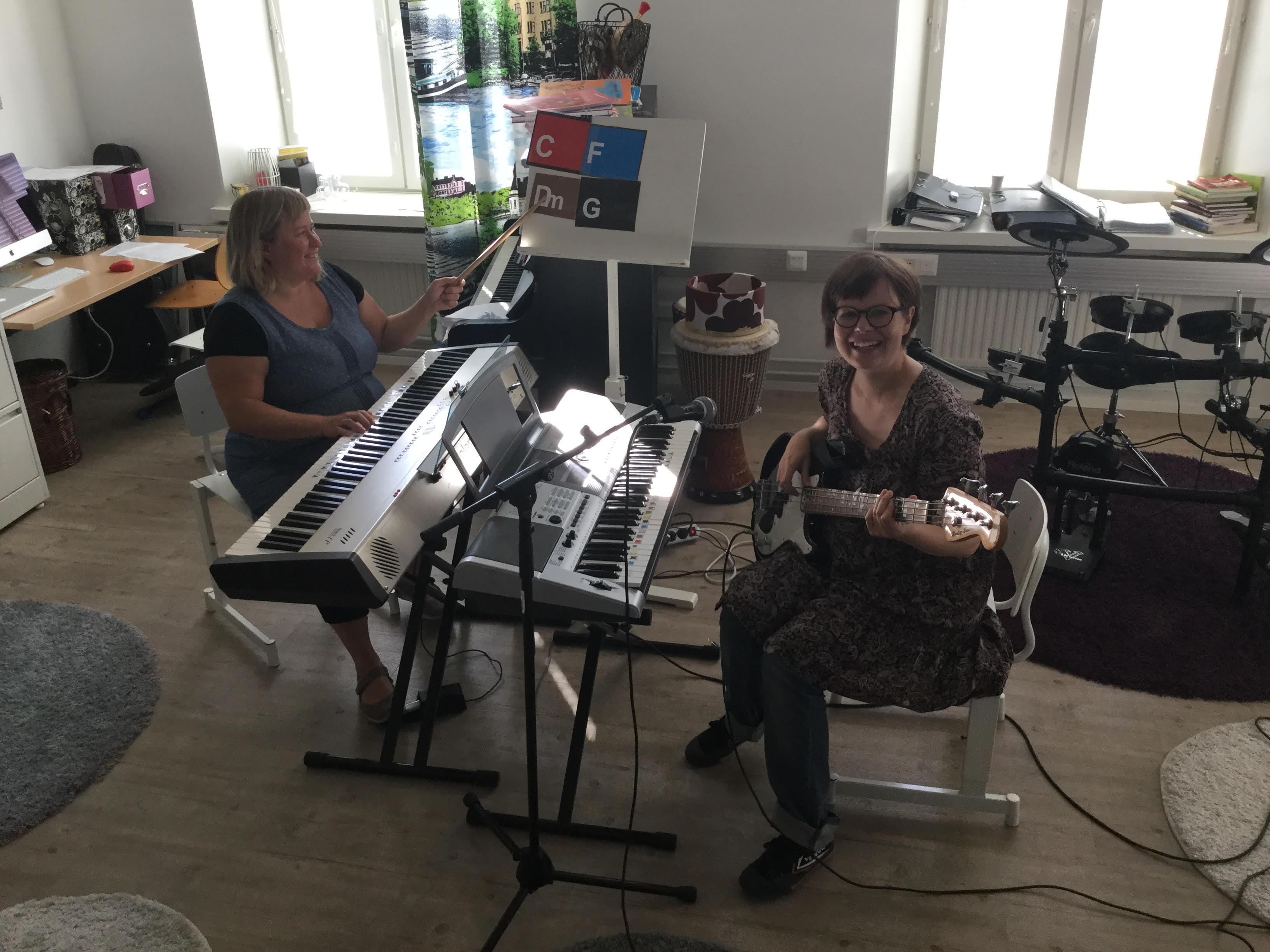 Heli Kallio-Lampinen ja Sanna Helén toimivat Terapiatalossa ja Kumossa